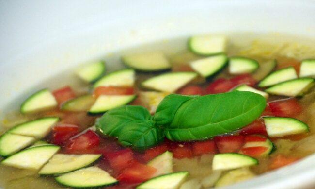 Хранение огурцов и помидоров: продлеваем свежесть овощей